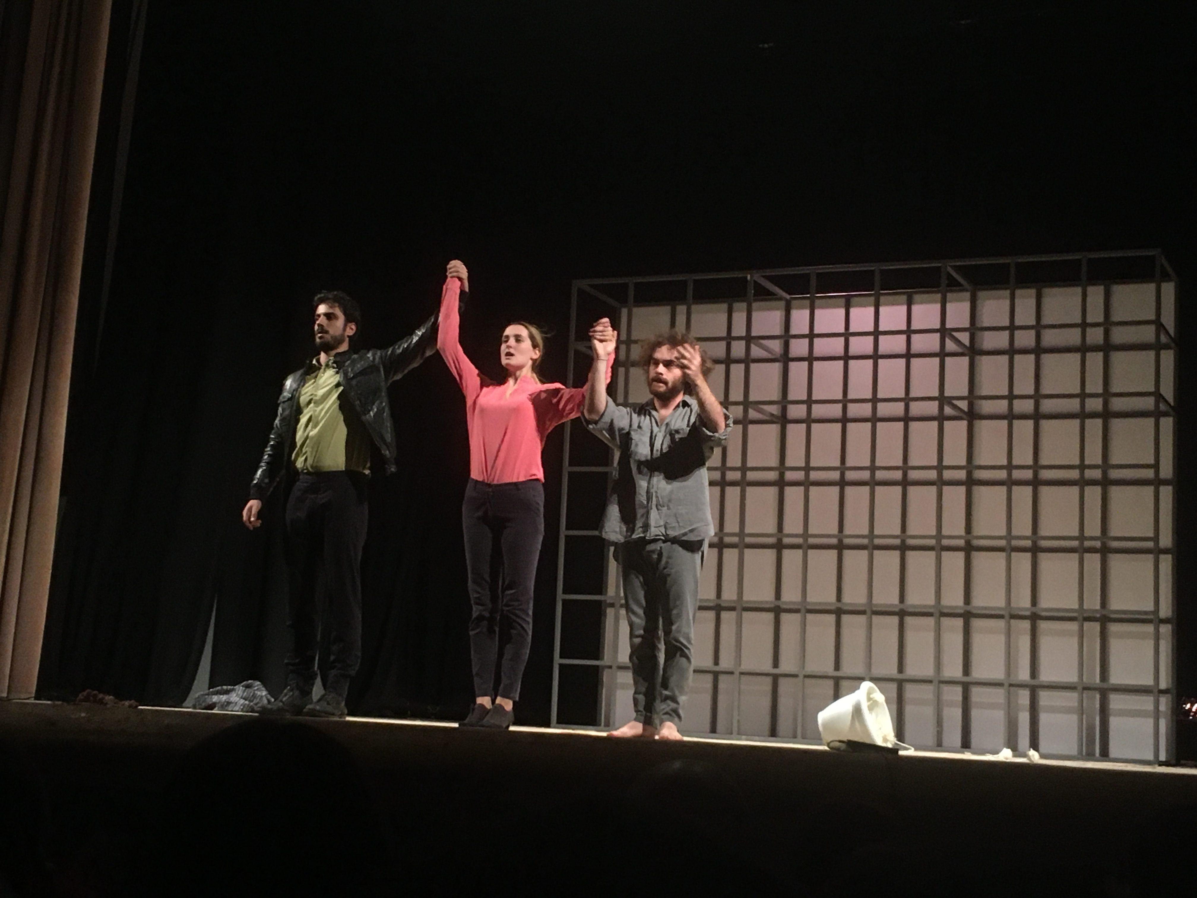 Contro la libertà, sette storie dure sulle assi del teatro