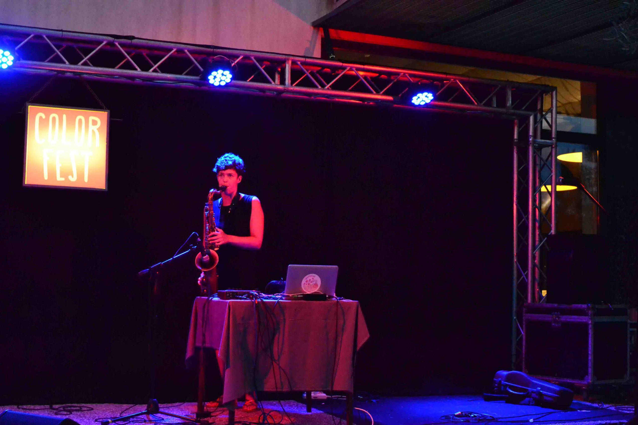 Laura Agnusdei e il suo sax