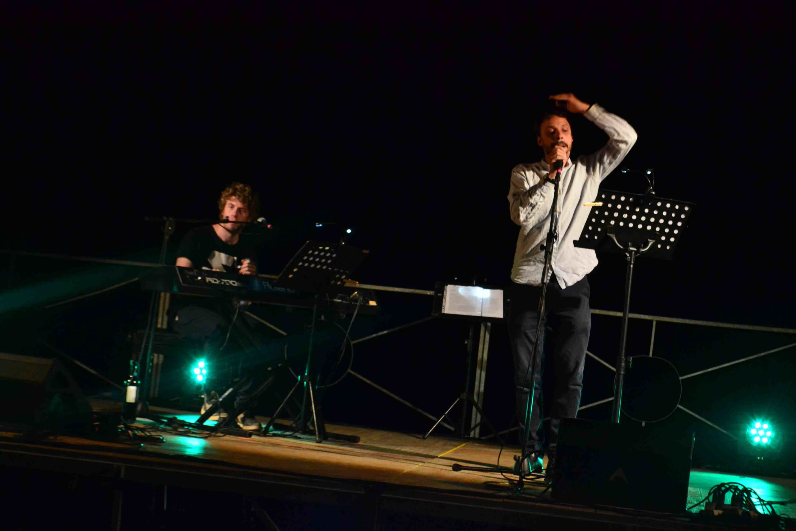 Lodo Guenzi e Federico Borghesi sul palco