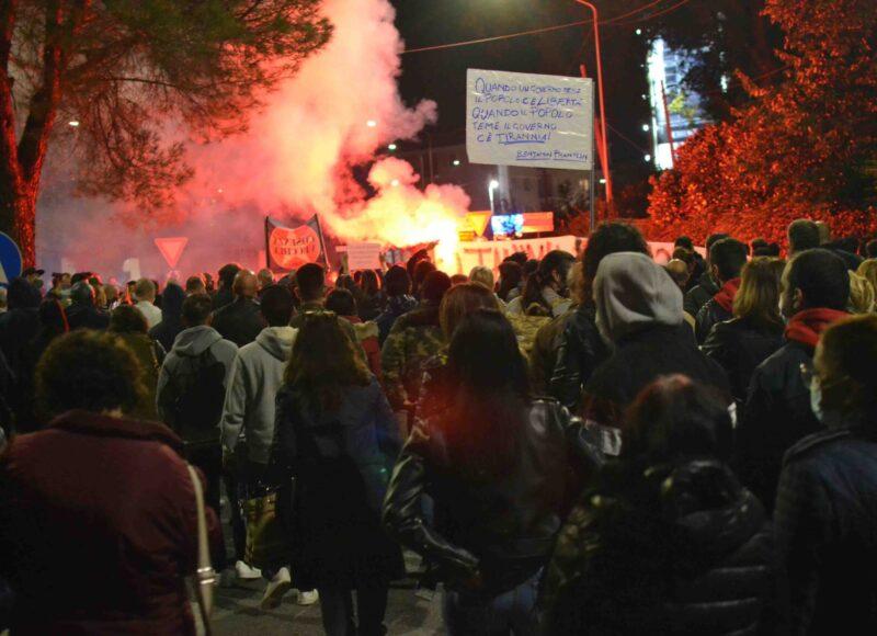 Covid, cinque giorni di proteste in Calabria